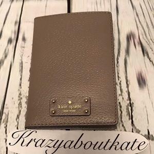 Kate Spade passport cover